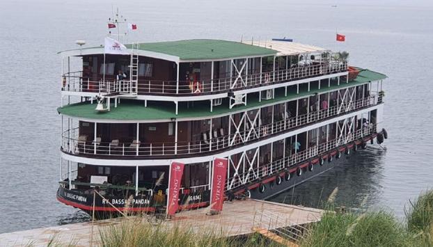 នាវា វីគីង គ្រូសជ្យូណី (Viking Cruise Journey) ដឹកអ្នកទេសចរពីប្រទេសវៀតណាម មកសំចត នៅខេត្តកំពង់ចាម។